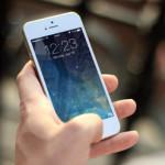 スマホの画面が勝手に動く時の原因と解消法とは?iPhone/Android